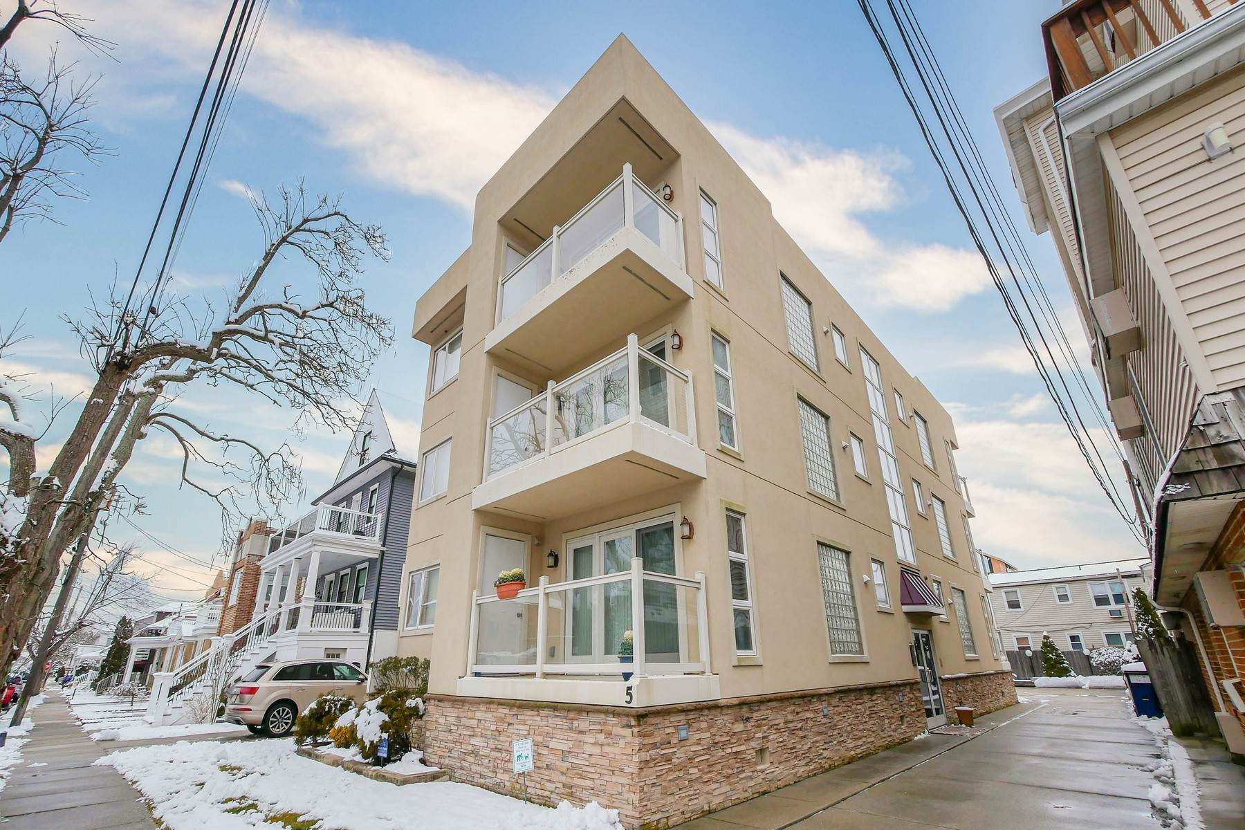 Condominiums for Sale at 5 N New Haven 3B 5 N New Haven Ave 3B Ventnor, New Jersey 08406 United States