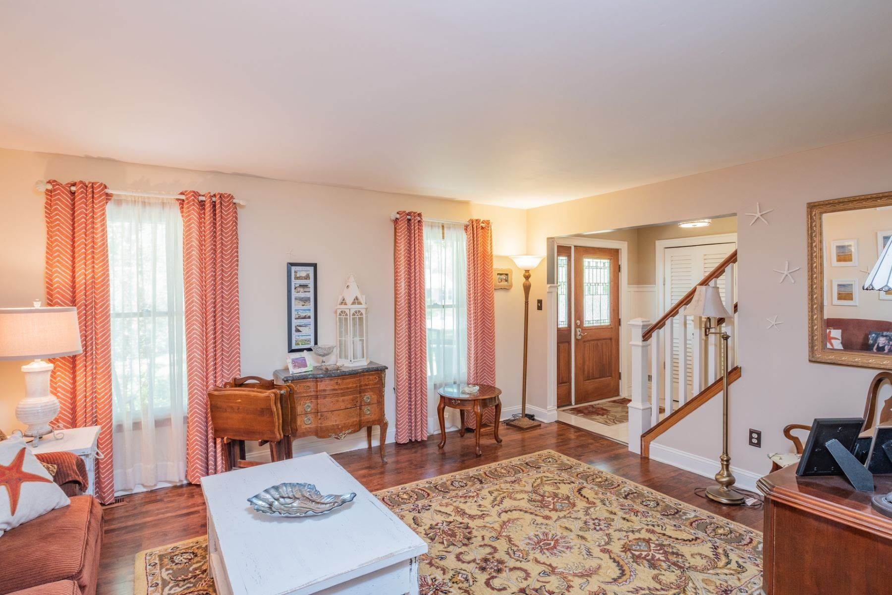 11. Single Family Homes for Sale at 5 Lauradell Drive South Seaville, New Jersey 08230 United States
