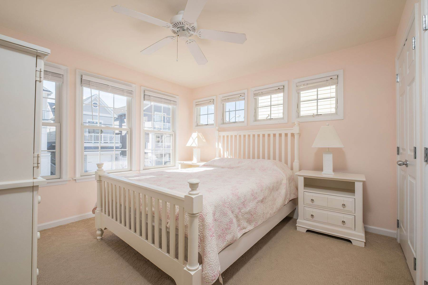 16. Condominiums for Sale at Spacious First Floor Condo 1021 Central Ave Ocean City, New Jersey 08226 United States