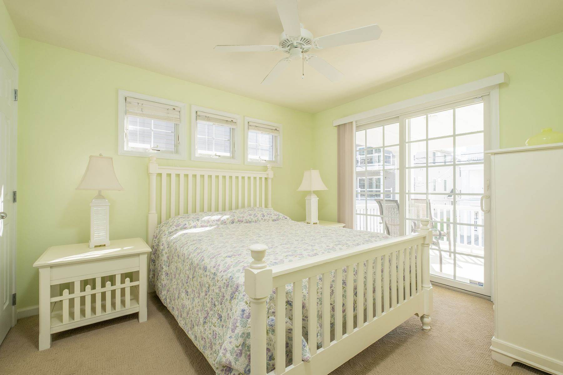 11. Condominiums for Sale at Spacious First Floor Condo 1021 Central Ave Ocean City, New Jersey 08226 United States